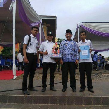 Penyerahan Piala Lomba Futsal antar OPD Pemkab Pesawaran